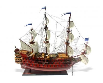 "Модель корабля ""La Furieux"" Франция"
