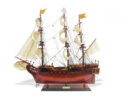 """Модель корабля """"USS Bonhomme Richard"""" средний США"""