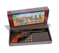 Револьвер Кольт в подарочной коробке